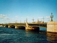 Troitsky-bridge ©saint-petersburg.com