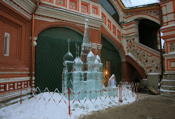 Ice sculpture in Moscow