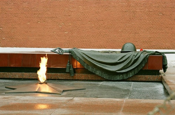 The tomb of the Unknown Soldier in Moscow