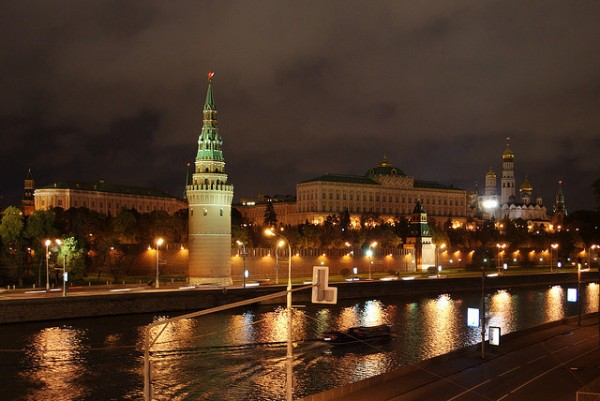 The Kremlin at night ©Sergey Vladimirov/Flick