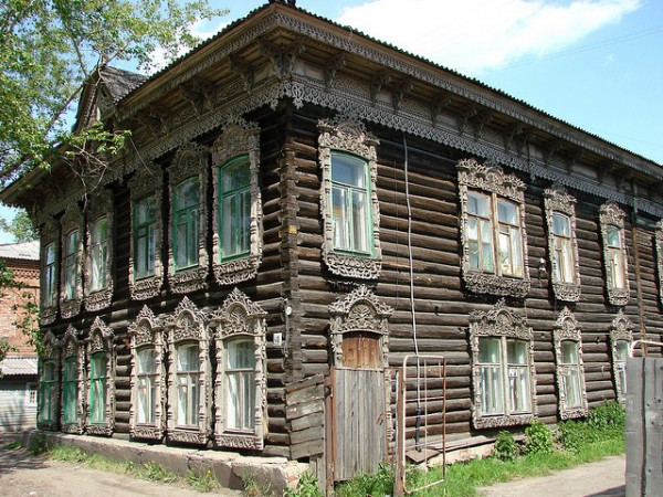 Traditional wooden house in Tomsk