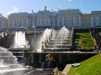Tourist guide for a memorable week in Moscow and Sankt Petersburg
